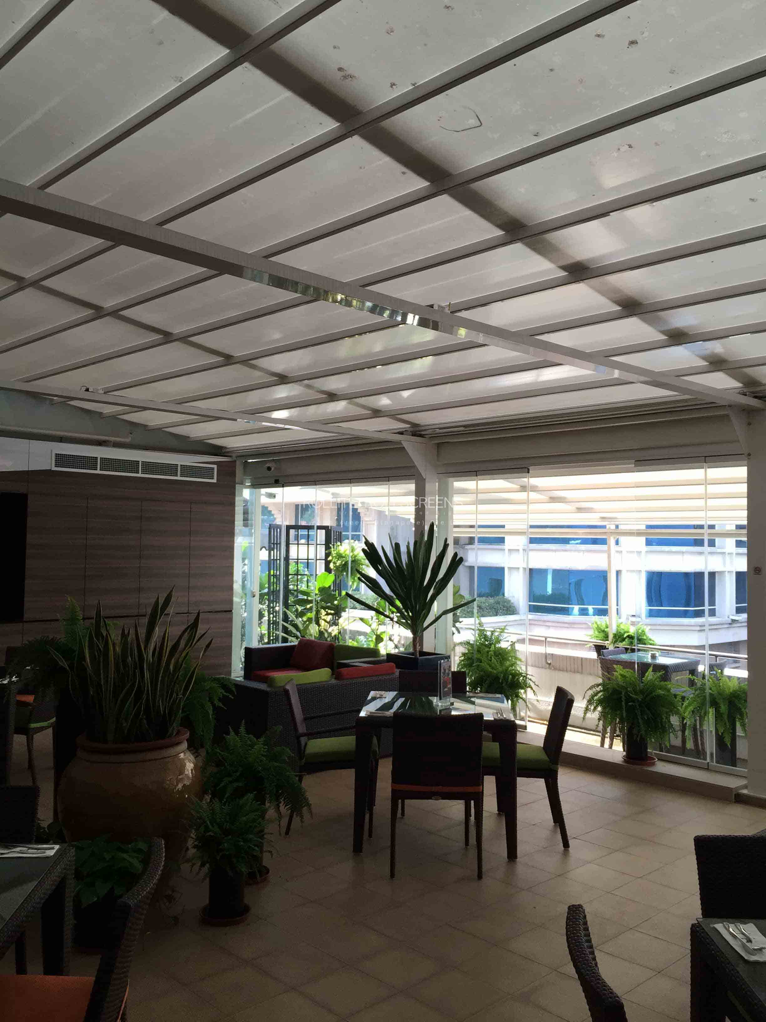 Sunscreen-Singapore_Rollite-Outdoor-14